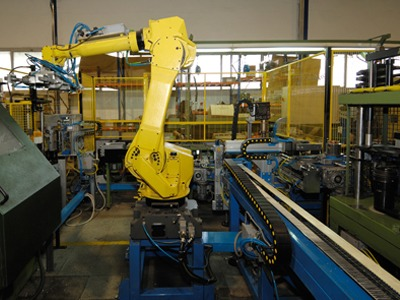 Conveyor used for automated line by Jorgensen